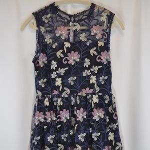 NWT Cupcakes and Cashmere Floral Dress - 4